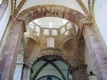 Grundbegriffe: Kirchengebäude