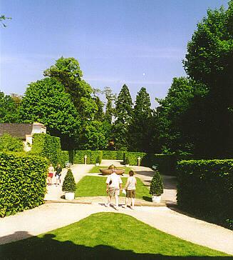 Schlosspark schwetzingen badhausgarten for Angelegter garten